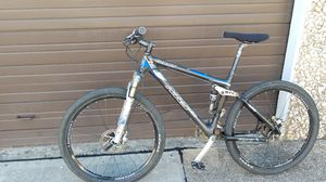 Giant NRS Carbon Fiber Mountain Bike (Med) for Sale in Plano, TX