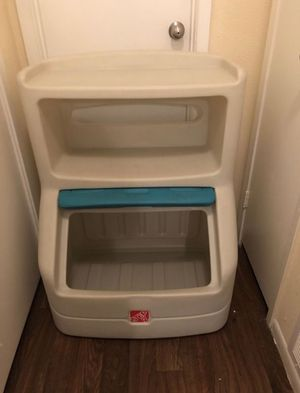 Step 2 toy box organizer for Sale in Baytown, TX