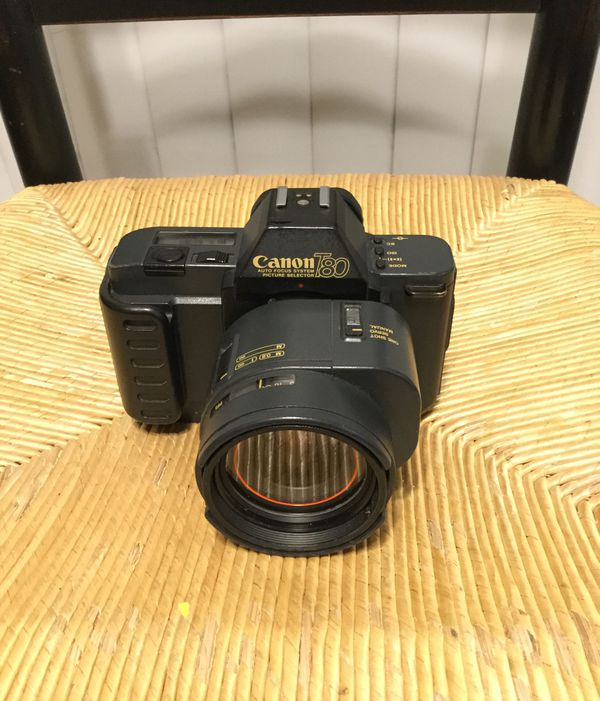 Canon T80 camera with AC35-70 lense