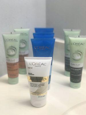 L'Oréal cleanser 👇👇👇👇👇 for Sale in Sunrise, FL