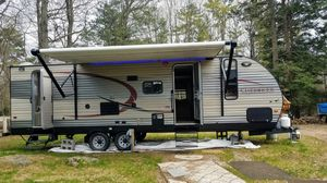2015 Forest River Cherokee 28 ft camper for Sale in Beverly, MA