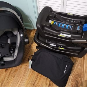 Infant car seat with 2 bases for Sale in Panama City, FL