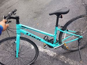 Trek fx2 small frame womens road bike.. like new no scratches for Sale in San Jose, CA