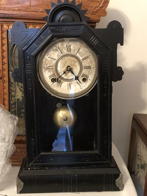 Antique Mantle Clock Works And Looks Beautiful Unique Story for Sale in Jacksonville, FL