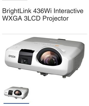 EPSON LCD PROJECTOR 3000 LUMINEMS for Sale in Alta Loma, CA