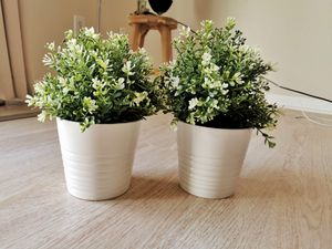 Set of 2 plants (fake) with pot for Sale in Orlando, FL