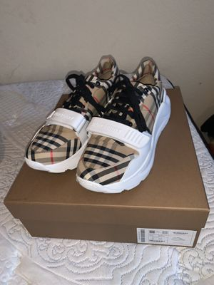 Burberry Sneakers size 10.5 (43.5) for Sale in Slidell, LA