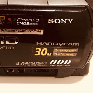 SONY HDCHVD 30 gb 4 Megapixels camera for Sale in Los Angeles, CA