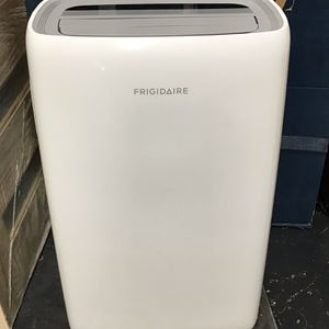 Frigidaire - 10,000 BTU Portable Room Air Conditioner & Dehumidifier For 450 Sq/ft. (No Remote Control) for Sale in Los Angeles, CA