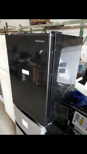 Wine cooler beverages cooler mini fridge nevera neverita frigobar freezer for Sale in Oakland Park, FL