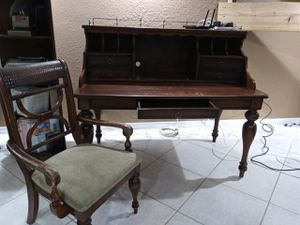 Wooden Desk and Chair for Sale in Hollywood, FL