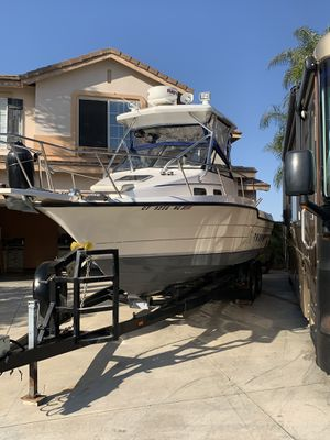 Bayliner Trophy customized fishing walkaround boat for Sale in Chino Hills, CA