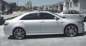 Clean Title in hand 2007 Toyota Camry SE for Sale in Wichita, KS