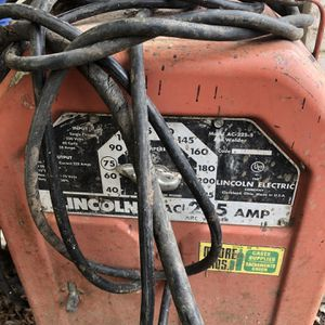 Lincoln Ark Welder With Rolling Wheels With 20 Foot Leads for Sale in Oroville, CA