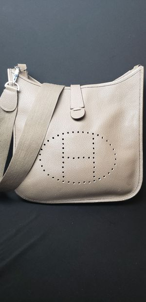 Hermes Evelyn bag in taupe for Sale in Snellville, GA