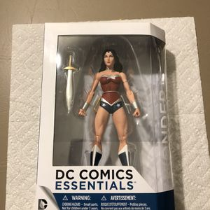 DC COMICS ESSENTIALS WONDER WOMAN ACTION FIGURE DS COLLECTIBLE for Sale in Annapolis Junction, MD