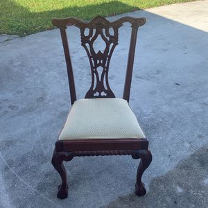 6 Wooden Chair for Sale in Miami, FL