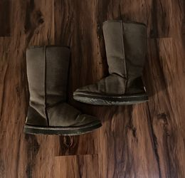 Ugg Boots Size W6 for Sale in Oklahoma City,  OK
