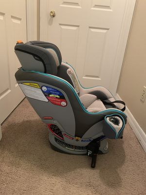 Chicco nextfit car seat for Sale in Little Rock, AR