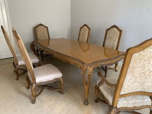 LUXURY HENREDON 6 chair dining table for Sale in San Diego, CA