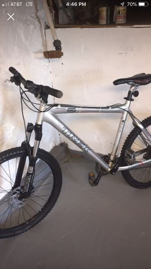 trek series 6 6500 mountain bike , great condition for Sale in Woodlawn, MD