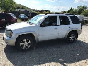 2006 Chevy Trailblazer LT 190k miles runs and drives!!! for Sale in Temple Hills, MD
