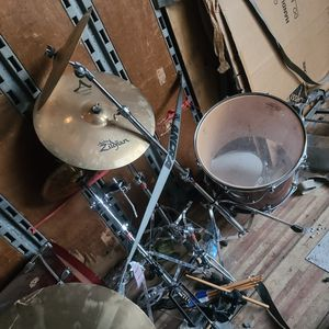 Ludwig 9 Piece Drum Set for Sale in Atlanta, GA