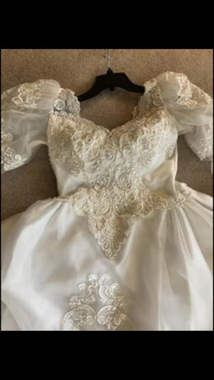 Vintage wedding dress for Sale in Fleming Island, FL
