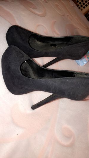 High heels for Sale in Apple Valley, CA