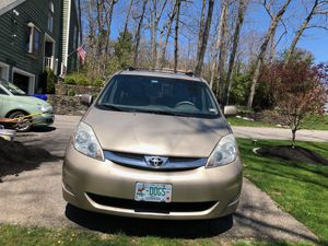 2009 Toyota Sienna XLE Limited AWD Minivan for Sale in Hampstead, NH