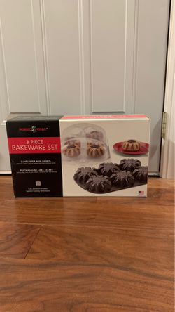 Bakeware set 3 piece - New in box for Sale in Chicago,  IL
