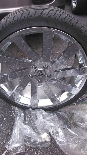Gina wheels & nankang tires size 245/35zr20 95y xl for Sale in Cleveland, OH