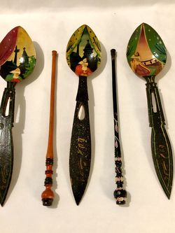 Mint Condition Antique Hand Crafted Hand Painted Spoons & Chop Sticks for Sale in Vacaville,  CA