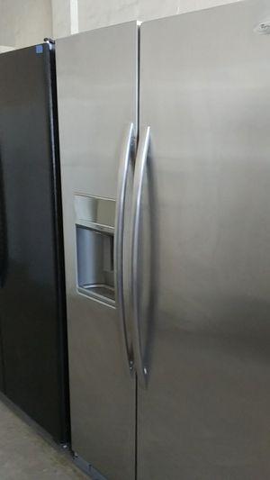 Whirlpool. Double door fridge for Sale in Tampa, FL