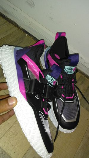 $129.00 PUMA EXCLUSIVE SNEAKERS for Sale in Glenn Dale, MD