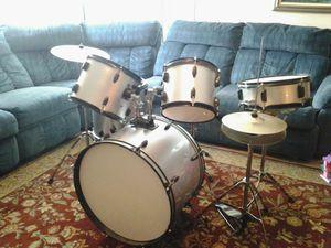 Bateria musical completa con su silla for Sale in Las Vegas, NV