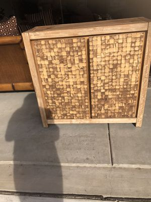 Tv stand/decorative table for Sale in Tracy, CA