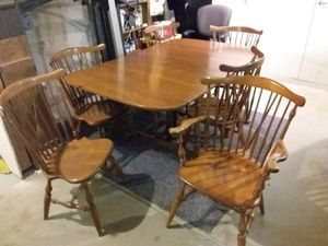 Vintage Ethan Allen Baumritter dinning set, and china hutch for Sale in Littleton, CO