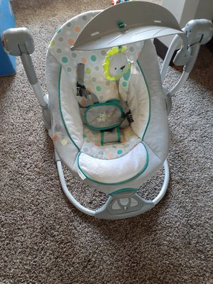 Baby portable swing for Sale in Cuyahoga Falls, OH