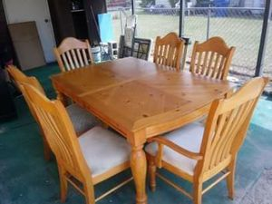 Dinning table with 6 chairs for Sale in Fort Meade, FL