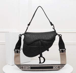 Christian Dior bag for Sale in Silver Spring, MD