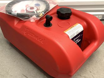 Generator Fuel Extender - Bergs System 6 Gallon for Honda and Generac Generators for Sale in Seattle,  WA