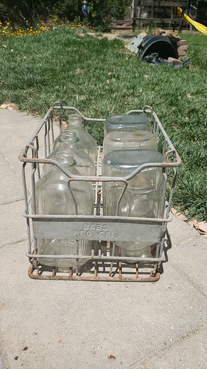 Antique Milk Crate w/ bottles for Sale in Gilroy, CA