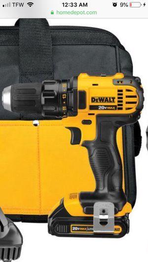 DeWalt half-inch cordless drill driver includes 20volt Lithium ion battery for Sale in Wichita, KS