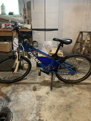Giant xtc mountain bike for Sale in Elkins Park, PA