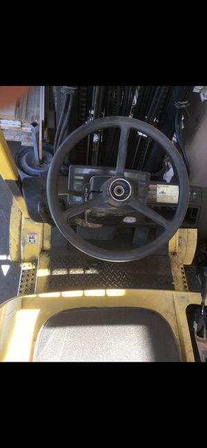 Hyster 60 6000 lb. compacity forklift runs great for Sale in Las Vegas, NV