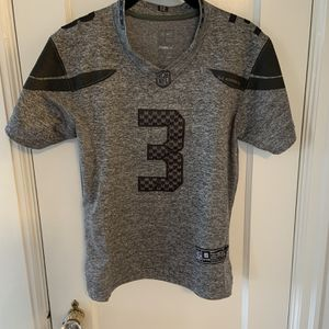 Russell Wilson Jersey for Sale in Woodway, WA