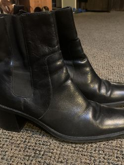 Black Leather Boots Womens Size 10 for Sale in Bensalem,  PA