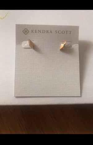 Kendra Scott Gold Stud Earrings for Sale in Abilene, TX