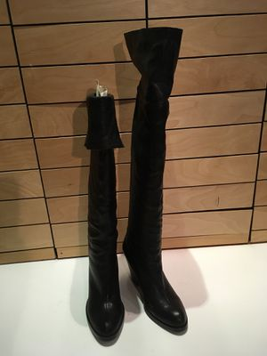 Thigh high leather , over the knee boots, beautiful and comfortable 6.5 for Sale in Bellevue, WA